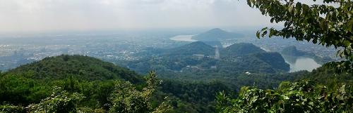 継鹿尾山山頂からの風景