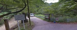 百々ヶ峰松尾池ハイキングコース駐車スペース風景